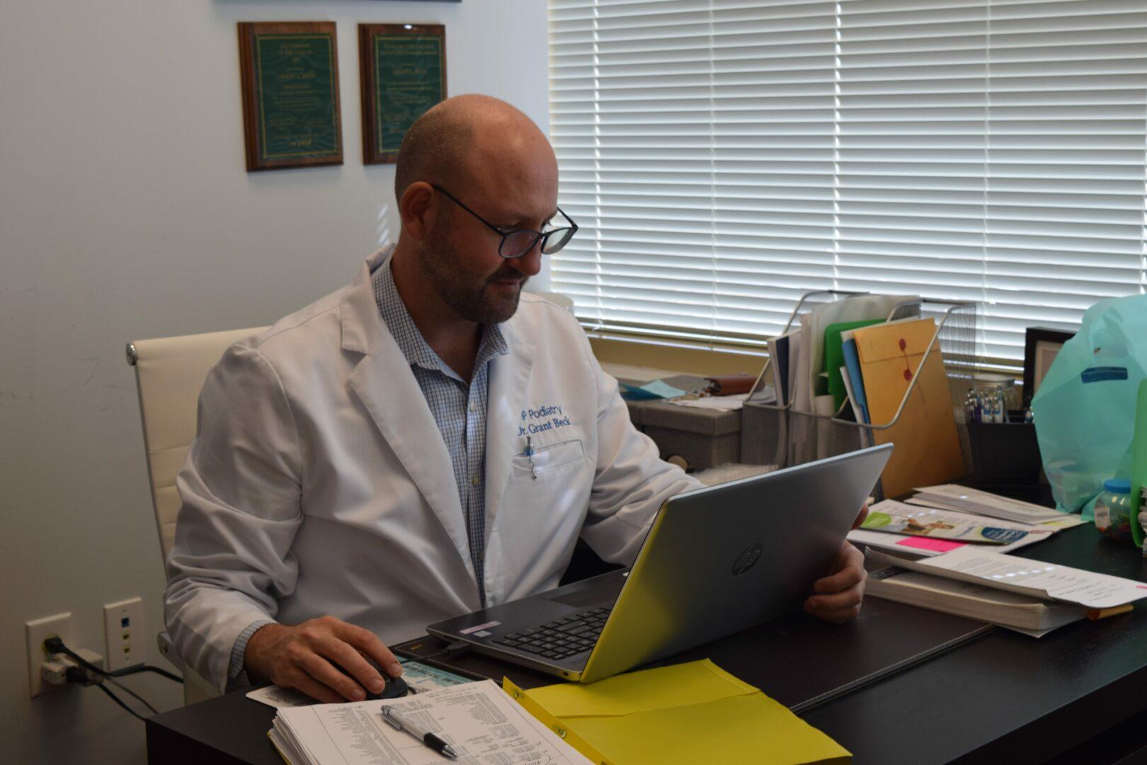 Dr. Grant L Beck